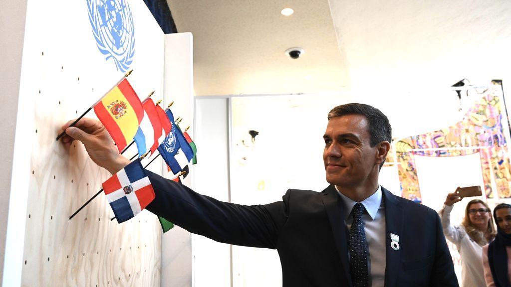 Sánchez celebra ante Naciones Unidas la exhumación de Franco