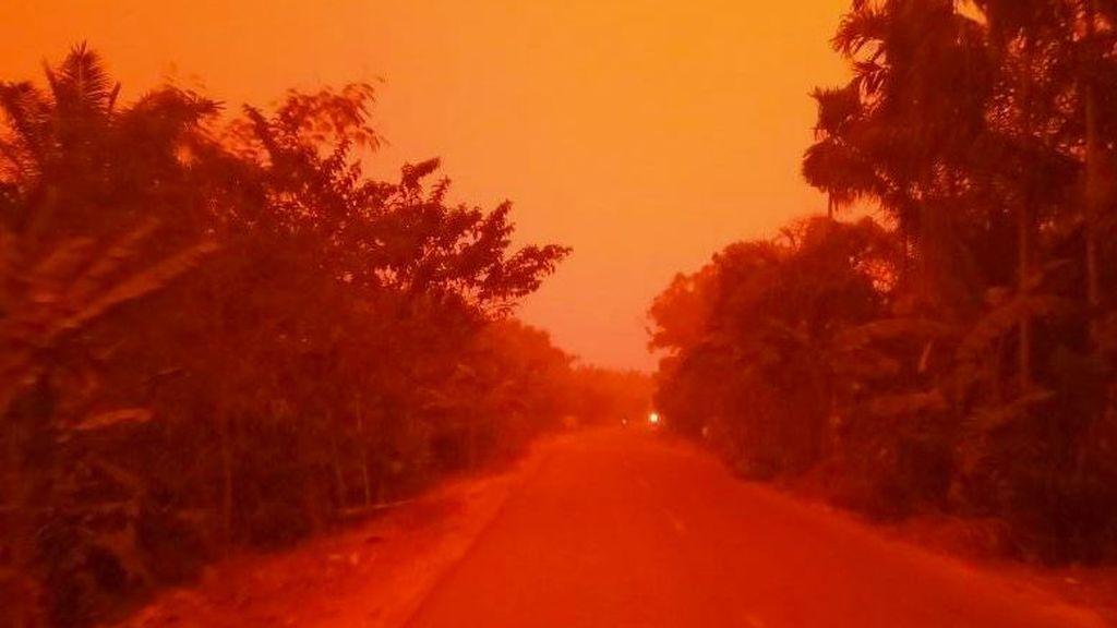 No es Marte, es Indonesia: el humo de los incendios tiñe el cielo de rojo
