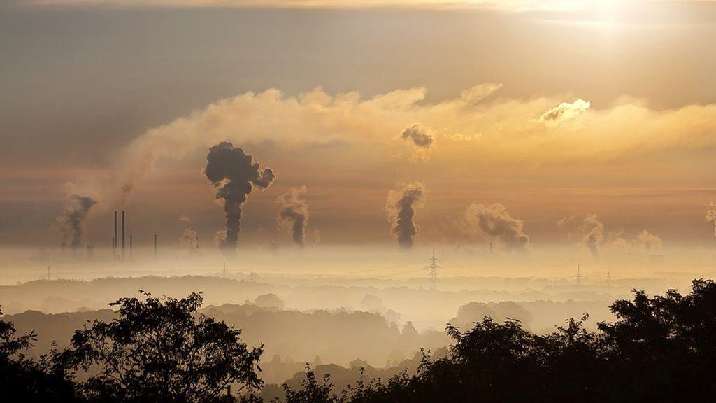 Estudios científicos muestran la vinculación entre la contaminación del aire y la salud mental infantil