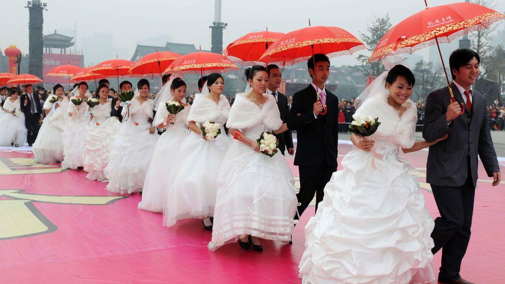 Familiares se casan y se divorcian 23 veces en un mes para conseguir viviendas gratuitas del Estado