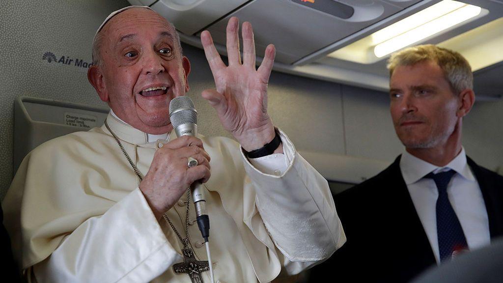 """El Papa Francisco declina la invitación de los obispos para visitar España porque prefiere centrarse en """"países pequeños"""""""