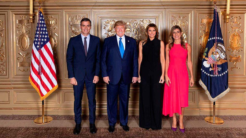 Los Sánchez  y los Trump posan juntos en Nueva York