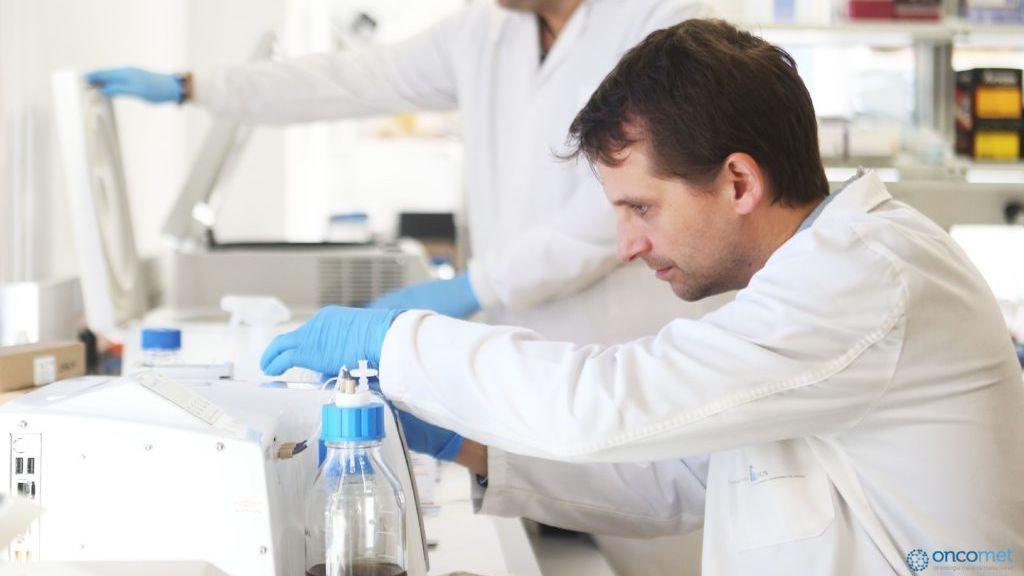 Investigadores gallegos presentan un estudio pionero que detecta el cáncer de colon en la saliva