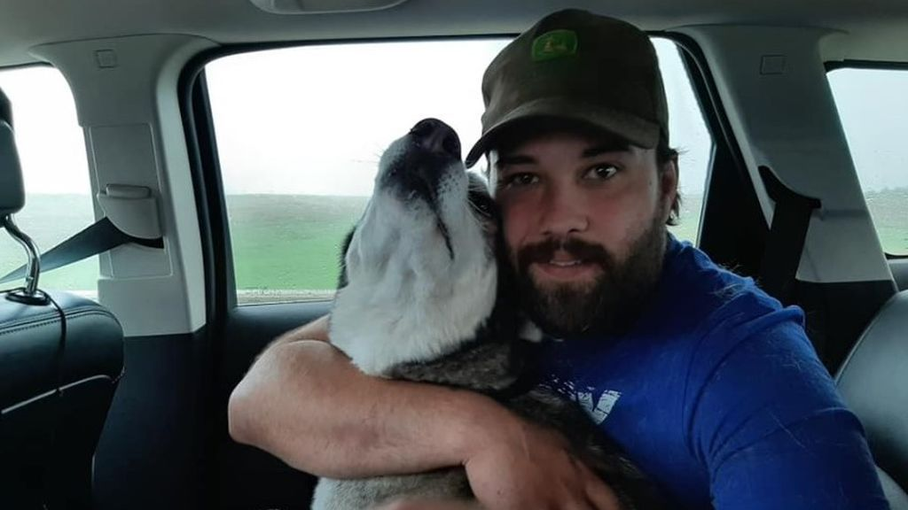 Un dueño que vio desaparecer a su perro hace 4 años le recupera gracias a la lectura del microchip