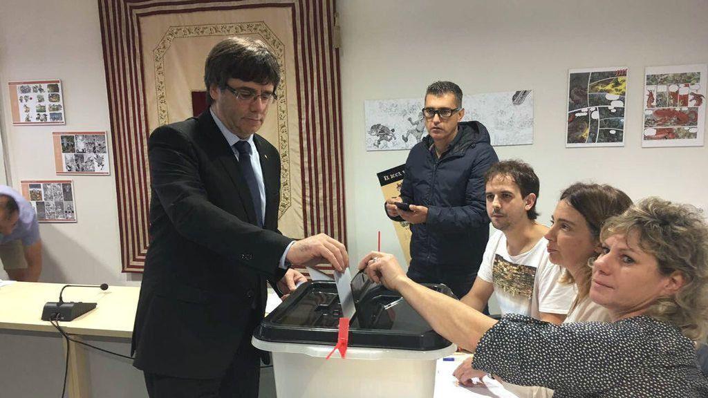Puigdemont, votando el 1 de octubre