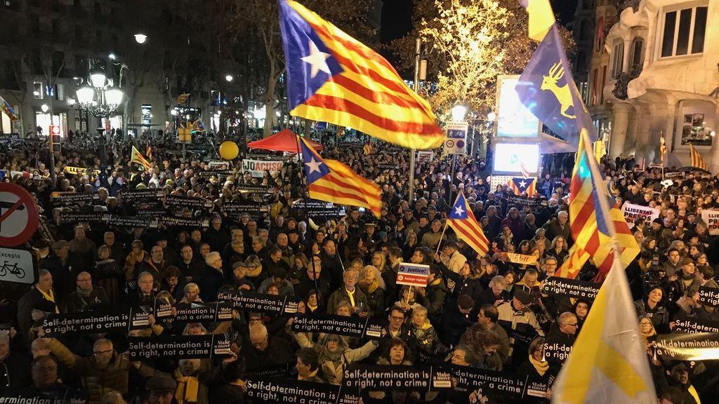 La Generalitat institucionaliza la conmemoración del referéndum del 1-O