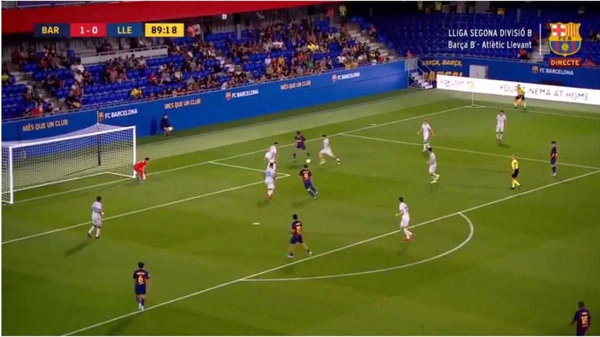 Increíble golazo de Álex Collado en el Barça 'B': se va de seis con tres caños y marca de tacón