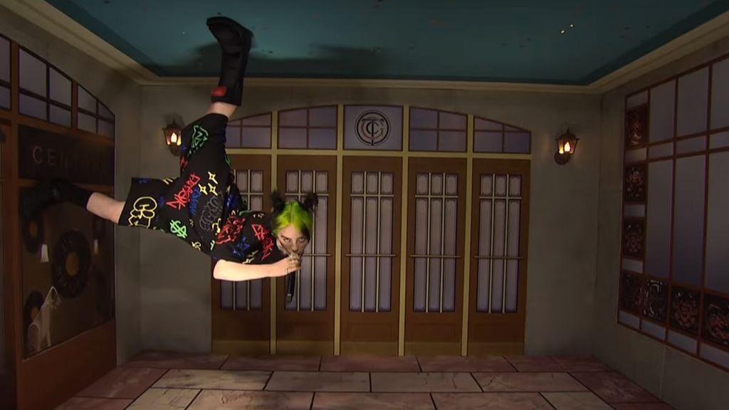 Billie Eilish cantando bocabajo: cómo se hizo su actuación en directo en Saturday Night Live