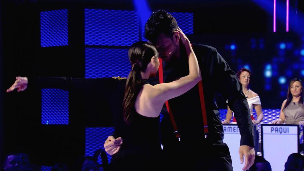 Alex conquista a las madres bailando tango y salsa
