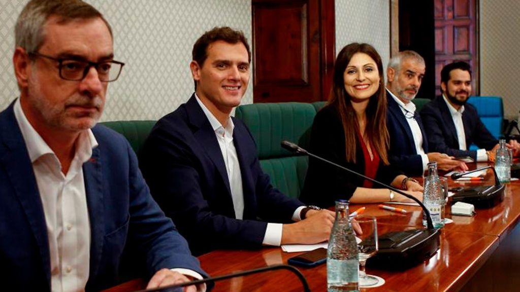 """Rivera acusa a Sánchez y al PSC de """"preferir a Torra que a la convivencia"""" por no apoyar la moción de censura"""