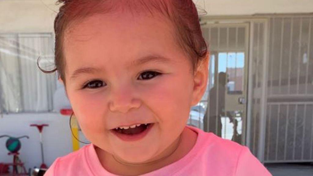 Una pequeña muere tras ser dejada por su madre en un vehículo durante horas