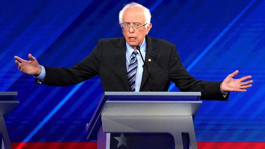El senador demócrata Bernie Sanders,  suspende sus actos de campaña tras ser hospitalizado por un dolor en el pecho