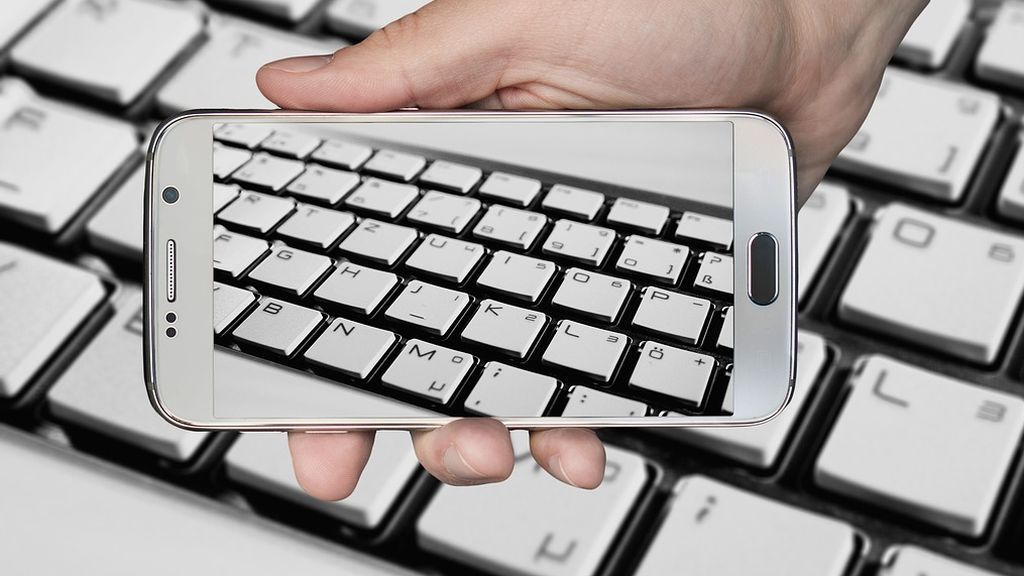 Un estudio demuestra que casi se escribe tan rápido en el móvil como en el teclado