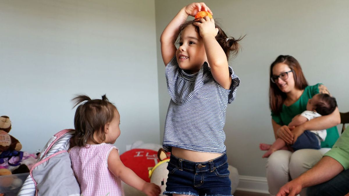 """La idea """"brillante"""" de una madre para que sus hijas se queden quitas unas horas"""