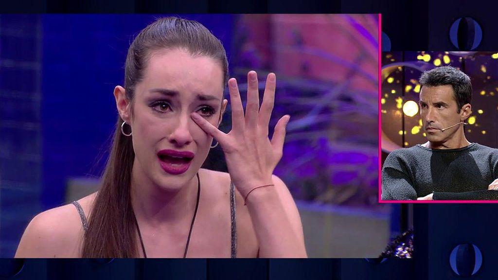 """Adara rompe a llorar por la presión: """"Durante el directo me pongo muy nerviosa y no me sé defender"""""""