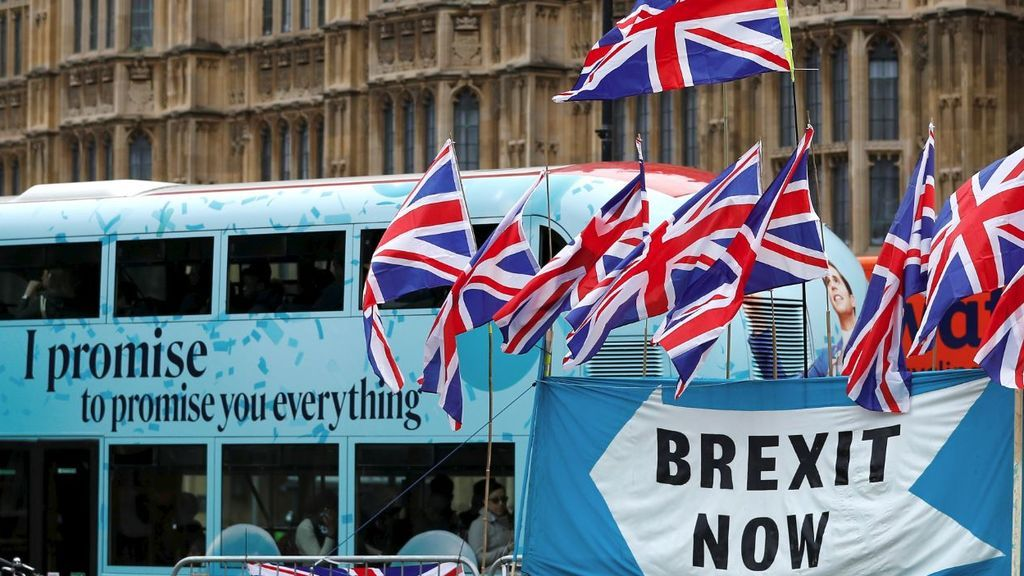 Johnson vuelve a pedir respaldo al Brexit en el Parlamento