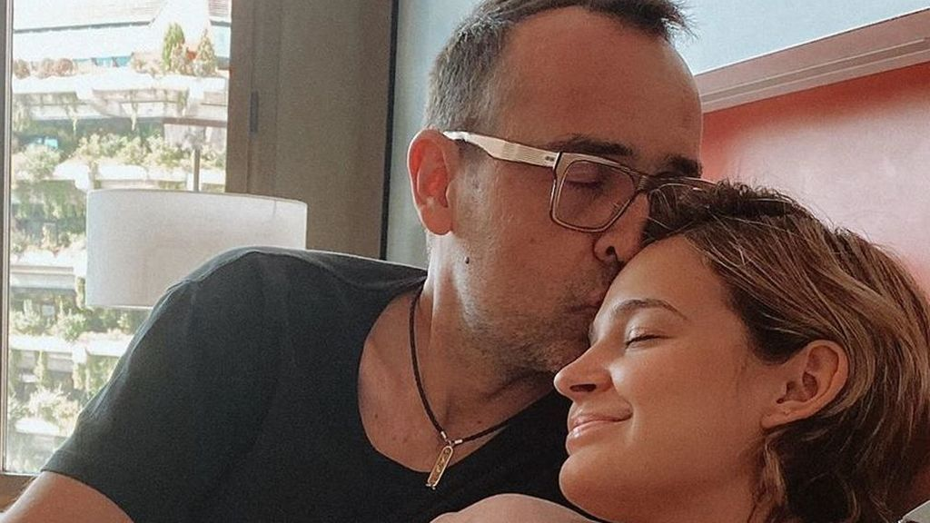 Laura Escanes y Risto Mejide presentan a su hija Roma
