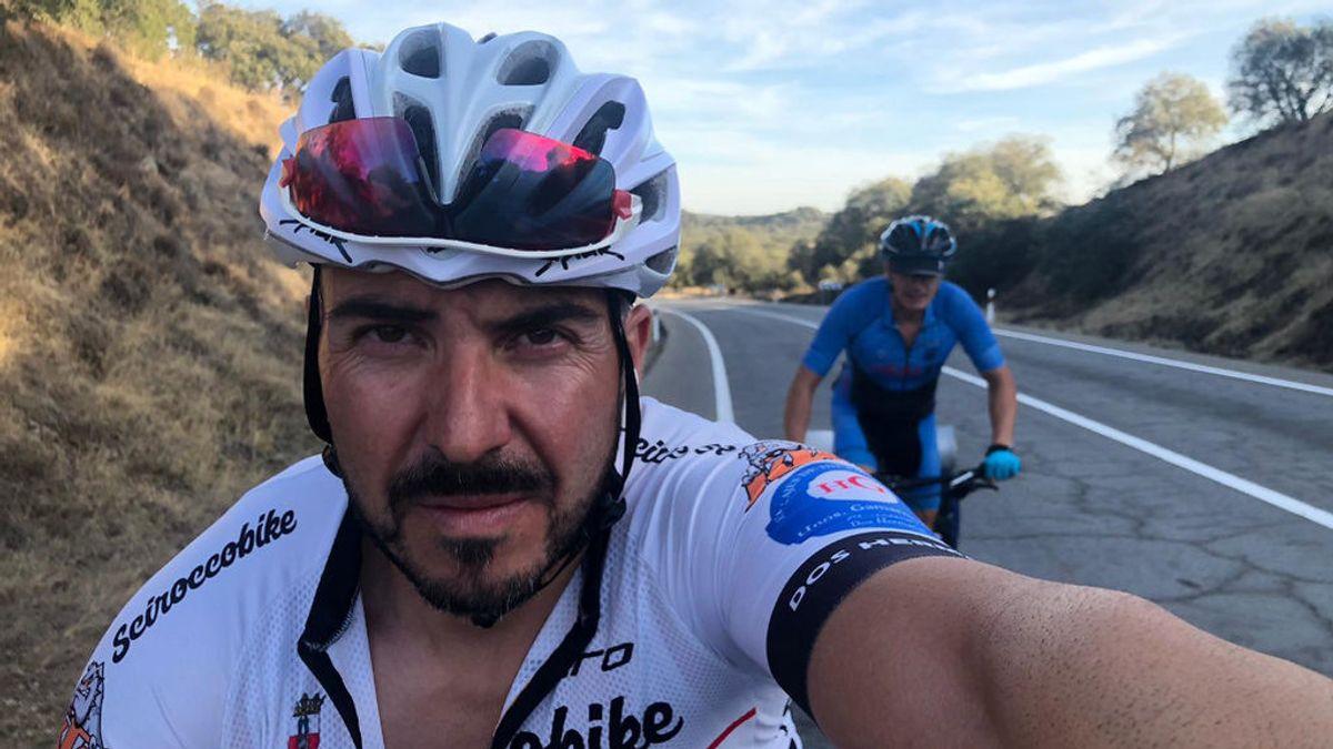 Reto 'a ciegas': dos ciclistas hacen el Camino de Santiago sin dinero, sin comida y... sin visión