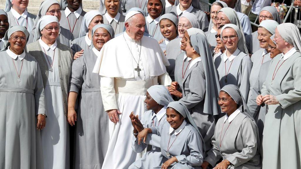 Las mujeres que piden el sufragio femenino en la Iglesia