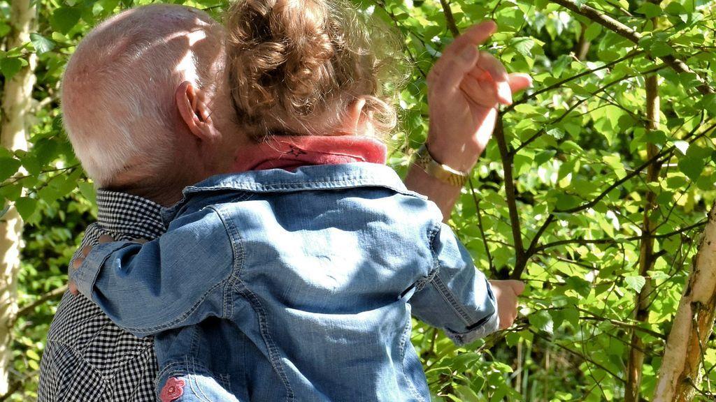 3 años y 3 meses de prisión para un abuelo de 78 años por abusar sexualmente de sus 2 nietas menores