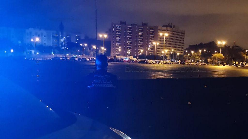 Detenido un menor acusado de agredir con un mosquetón a un policía local en Sevilla