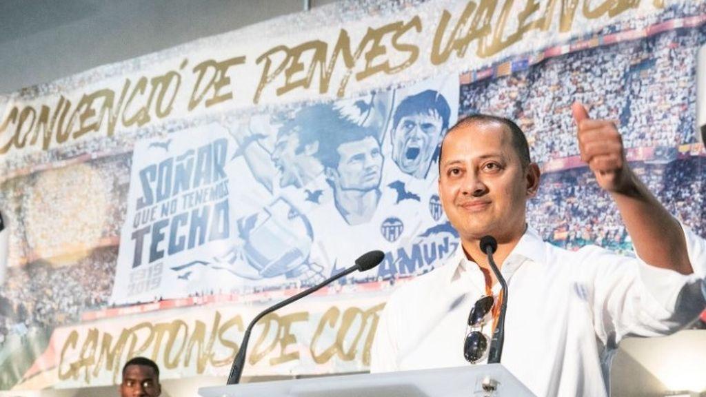 El presidente del Valencia denuncia amenazas de muerte tras mandar callar a Mestalla