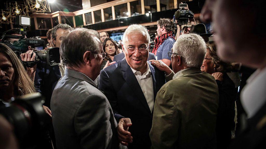 El socialista Antonio Costa roza la mayoría absoluta en las elecciones portuguesas