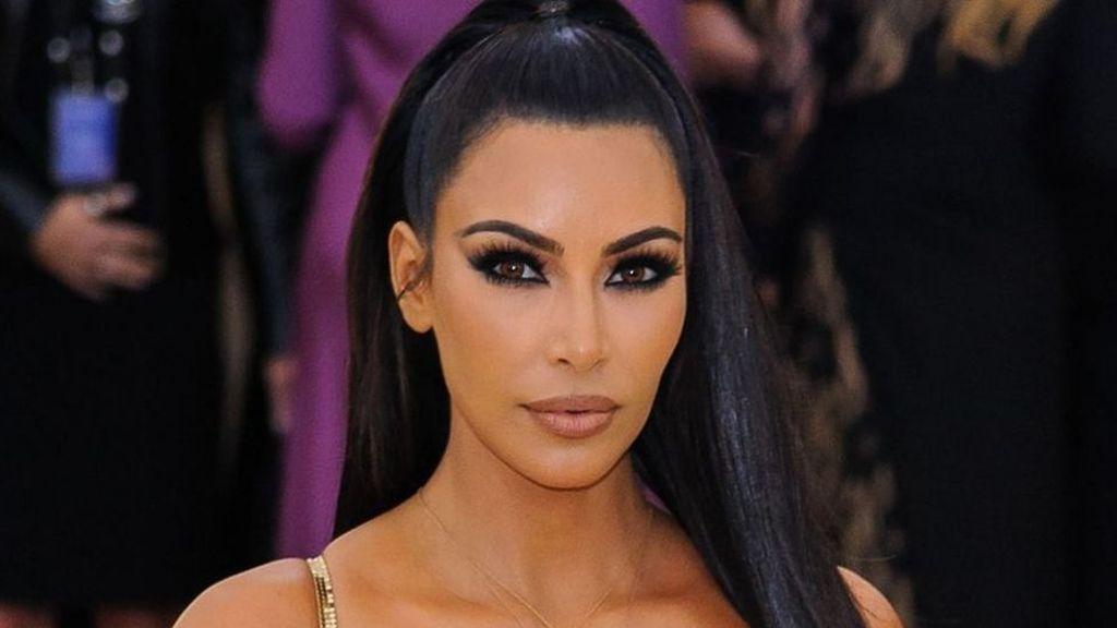 Kim Kardashian cuelga una foto con Kourtney antes de operarse y revoluciona las redes
