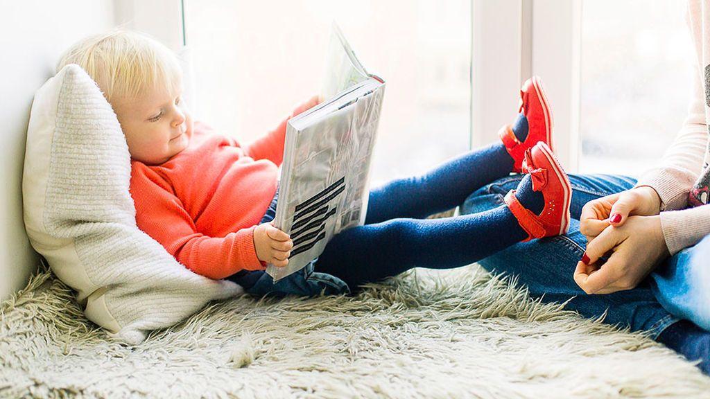 Trucos infalibles para que los niños no cambien la lectura por el móvil