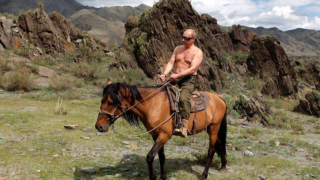Putin a caballo