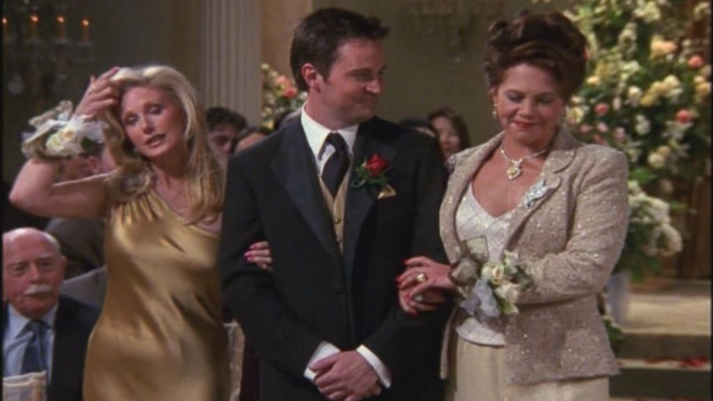 7-23-TOW-Monica-and-Chandler-s-wedding-chandler-bing-3094407-720-480