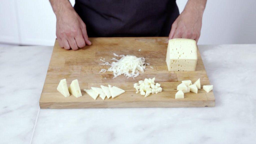 Sanida retira 13 lotes de queso francés  de vaca al contener las bacteria de la listeria y de la E.coli