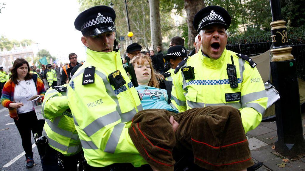 Las protestas contra el cambio climático en Londres dejan más de 500 detenidos