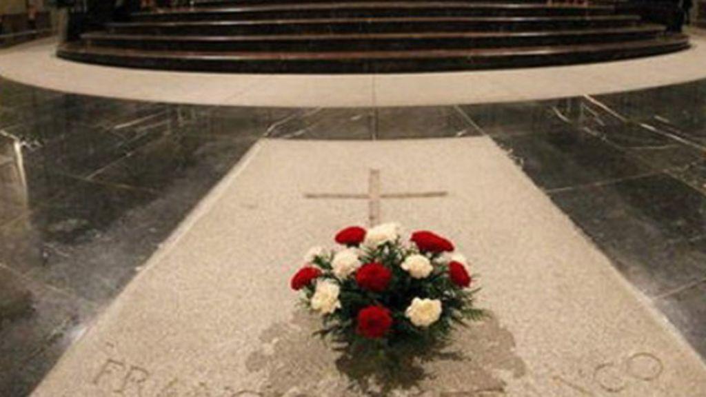 Sánchez sacará a Franco del Valle de los Caídos antes del 25 de octubre