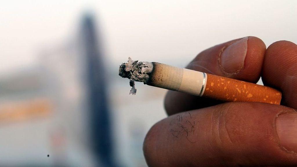 Fumar menos de cinco cigarrillos al día no evita el daño pulmonar a largo plazo