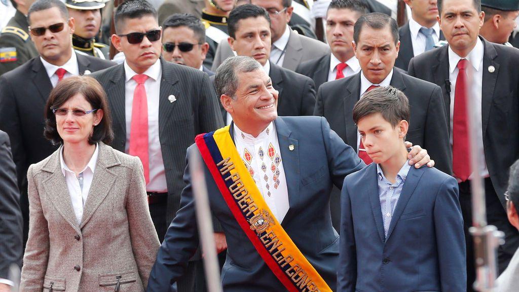Correa, el expresidente a la fuga que agita la guerra contra su rebelde pupilo