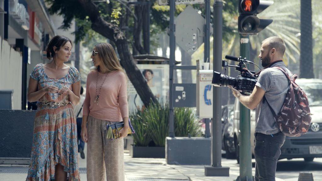 Mónica Naranjo se traslada con Ana Milán al lugar que la vio crecer como artista, México