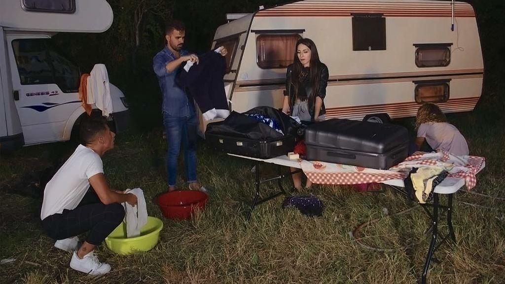 Rafa saca su banda de Míster Córdoba y Yasmín le invita a irse a su casa