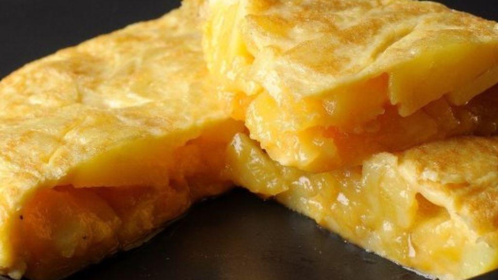 El coste de una tortilla de patata con aceite de oliva se multiplica por más de siete del campo a la mesa
