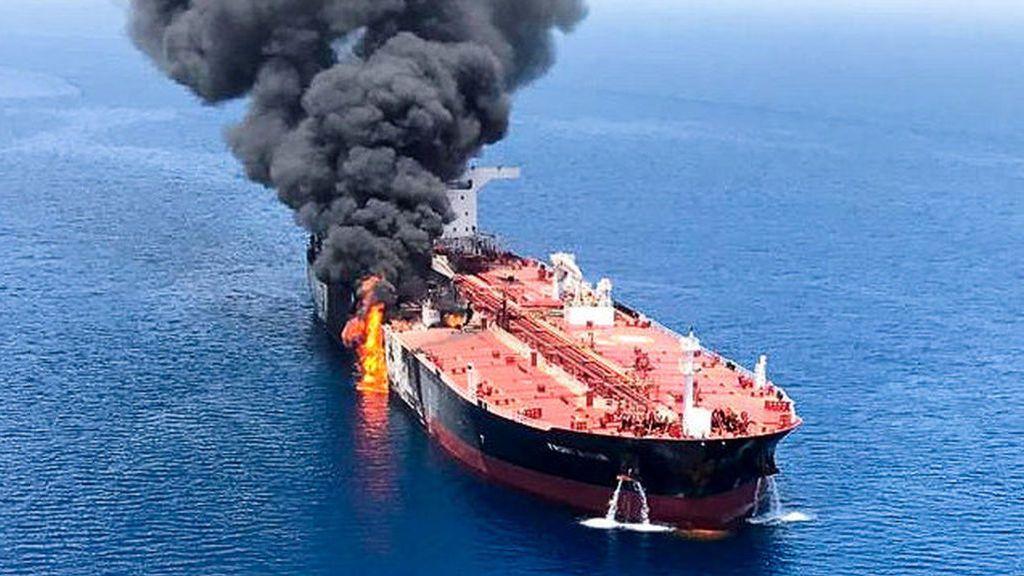Irán denuncia el ataque con misiles a un petrolero en el Mar Rojo