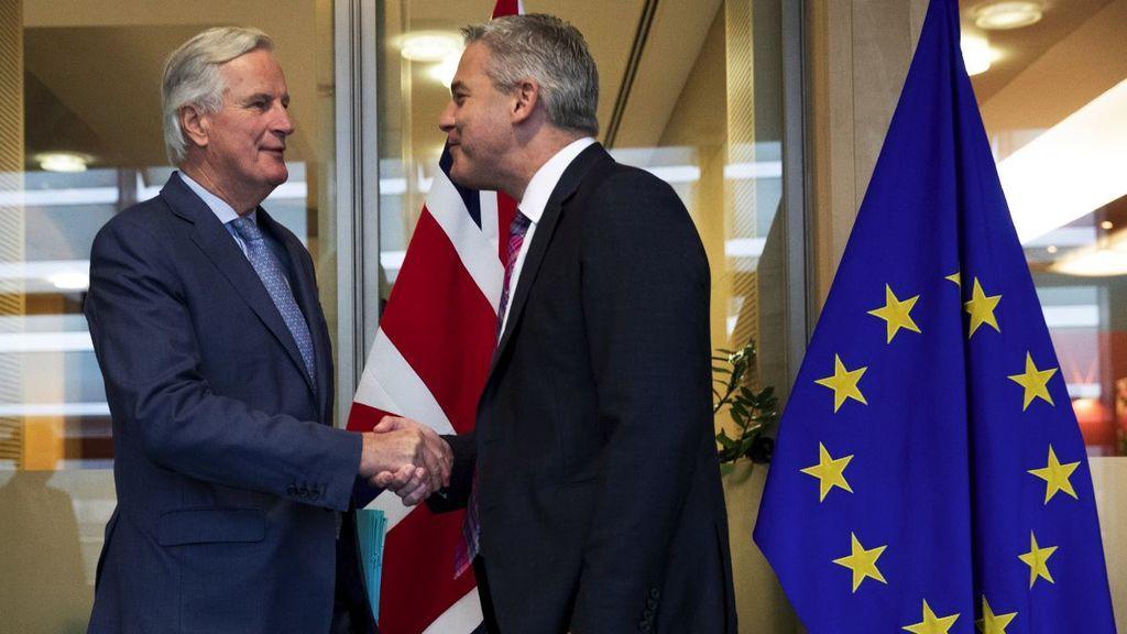 """Bruselas y Londres se dan una """"tregua"""" para """"intensificar"""" las negociaciones"""