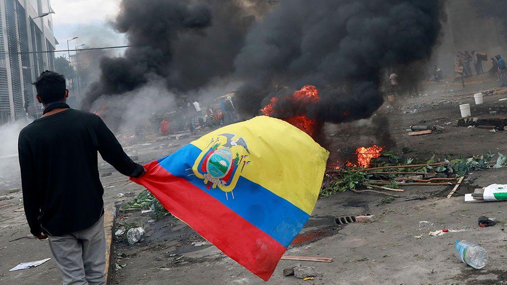 Lenin Moreno decreta el toque de queda en Quito