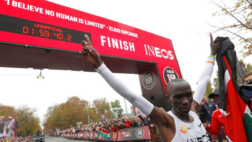 Kipchoge hace historia: es primer atleta que comleta un maratón en menos de dos horas