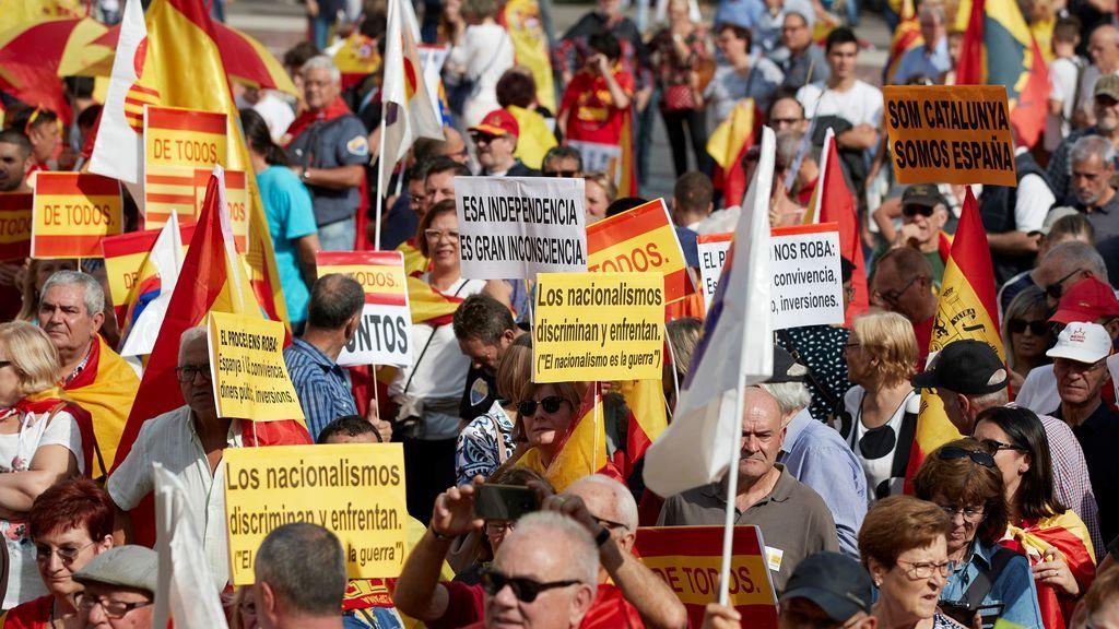 Unas 10000  personas en la manifestación constitucionalista en Barcelona