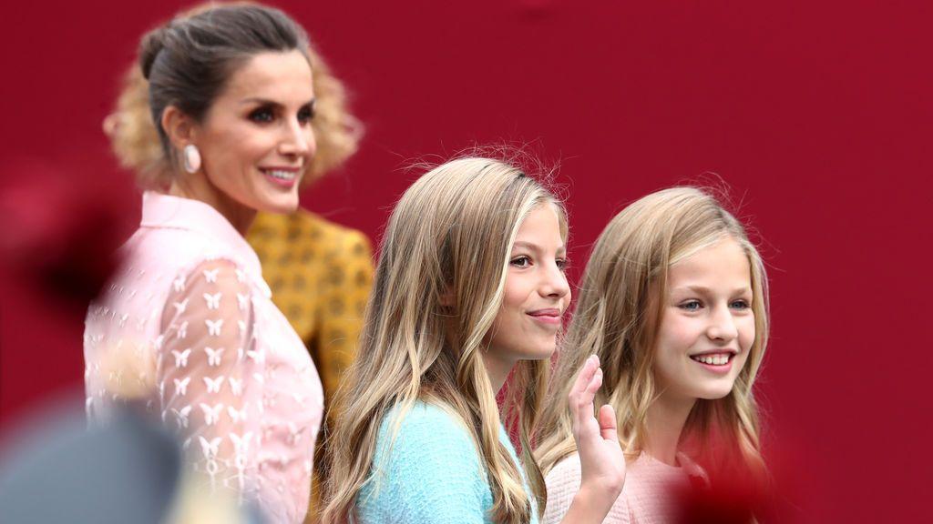 La Reina Letizia vuelve a deslumbrar vestida de Felipe Varela para el día de la Hispanidad