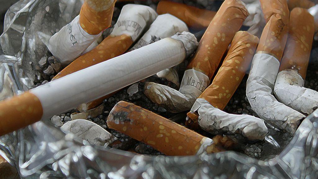Detenido tras amenazar con un látigo a su hijo de 5 años si no fumaba un cigarro