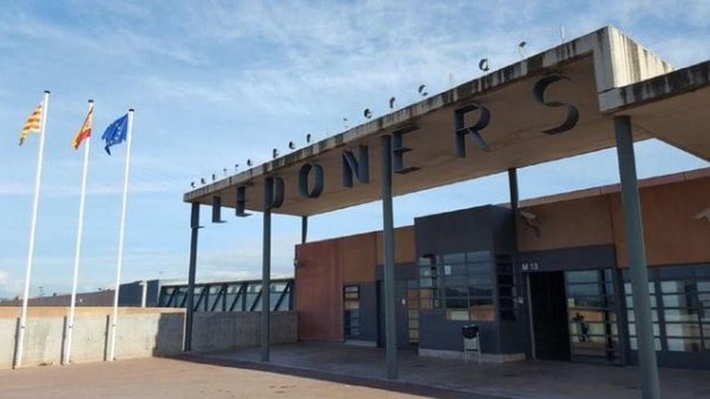 100 personas se concentran ante la cárcel de Lledoners contra la sentencia del procés