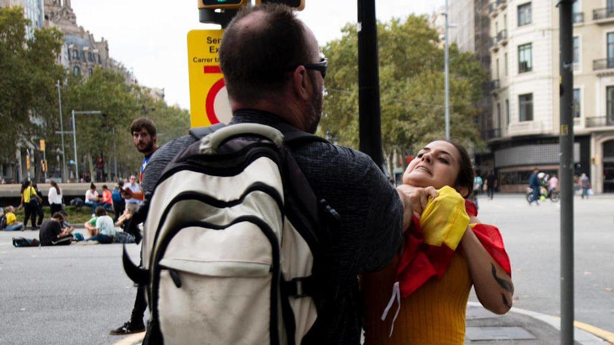 Nueva agresión por la bandera en Plaza Catalunya