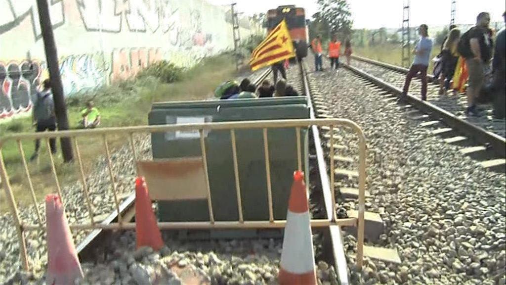 Cortes en el AVE y en carreteras de Cataluña