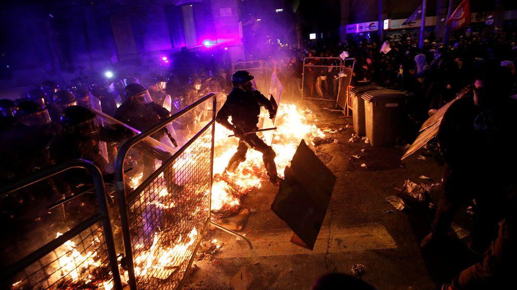 Las calles de Cataluña, un hervidero en el segundo día de protestas independentistas